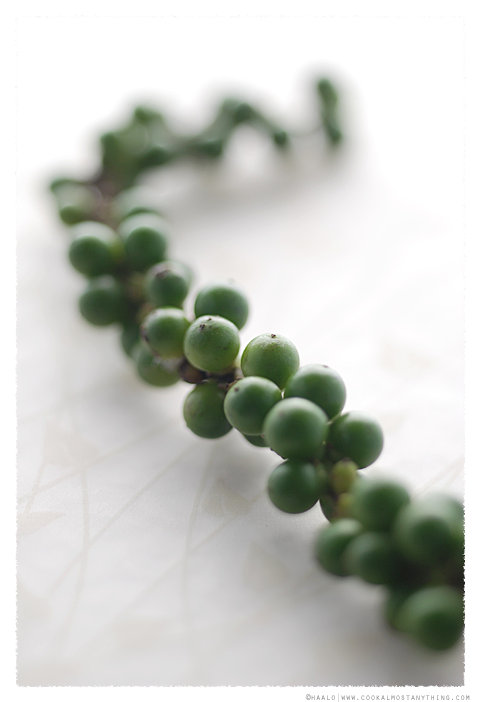 fresh green peppercorns© by Haalo