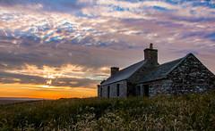 Lonely old cottage (Matthias-Hillen) Tags: old sunset sky sun abandoned clouds lost scotland highlands sonnenuntergang place united cottage himmel wolken haus kingdom highland matthias sonne verlassen schottland caithness hillen grosbritanien matthiashillen