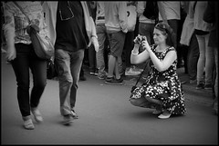Gent (B) - Predikherenlei - 2015/05/24 Shooting a streetphotographer (Geert Haelterman) Tags: blackandwhite white black monochrome belgium candid streetphotography olympus zwart wit ghent gent gand geert streetshot photoderue straatfotografie photographiederue fotografadecalle strassenfotografie fotografiadistrada haelterman omdem10