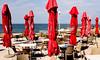 Czerwone parasole (barbaragronski) Tags: restauracja parasole morze stoliki