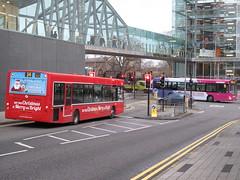 67664 - VX05 LWH: Causeway Lane, Leicester, 18/12/2015 (47609FireFly) Tags: bus leicester first e300 worcester firstgroup singledeck lowfloor firstmidlandred 67664 santabus enviro300 causewaylane firstleicester firstmidlands vx05lwh