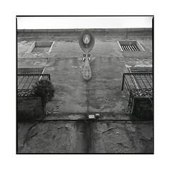 spoon • tortella, catalunya • 2016 (lem's) Tags: spoon street lifght lampadaire cuilliere rue building immeuble tortella catalunya catalona catalogne spain espagne zenza bronica