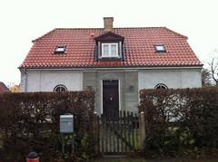 Gentofte - Lundeskovsvej 8 (1921) (annindk) Tags: hellerup housing bedrebyggeskik