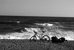 I want to ride my bicycle.. (Karla Matías) Tags: mar waves ocean bcn barcelona cataluña barceloneta playa arena bicicleta bike