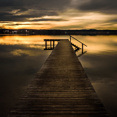 Spring sunset (hjuengst) Tags: see sonnenuntergang starnbergersee sunset jetty clouds spring reflection lake lakestarnberg