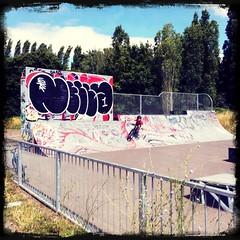 Graffiti, Hills Meadow Skate Park (firstnameunknown) Tags: urban streetart art reading graffiti mural skatepark popcam hillsmeadow iphoneography photoforge hipstamatic helgavikinglens photoforge2