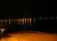 Coruña by night - La playa del Matadero. (Dirk Bontenbal) Tags: city nightphotography sea urban beach water night reflections noche mar seaside coruña waves streetphotography ciudad playa noflash panasonic galicia citylights handheld urbano olas notripod atlántico reflejos lacoruña riazor urbantexture orzan lucesdeciudad dmctz3 playadelmatadero galiciaatlantica