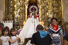 Bajada de la Virgen del Villar 2015 _ 25 (Iglesia en Valladolid) Tags: ermita devocin lagunadeduero religiosidadpopular besamano virgendelvillar piedadpopular nuestraseoradelvillar