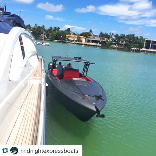 #Repost @midnightexpressboats with @repostapp. ・・・ Great photo of the Lamborghini inspired Midnight Express 39S Cuddy tendered to the big boat. Full Grigio Titans paint. Red interior. Stealth!!! Photo by @curacao_yacht_agency