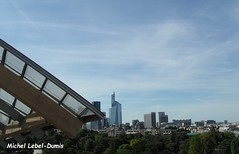 La Tour First (quartier de La Dfense) vue de la Fondation Louis Vuitton (m.lebel) Tags: paris france iledefrance boisdeboulogne jardindacclimatation franckgehry bernardarnault quartierdeladfense fondationlouisvuitton tourfirst