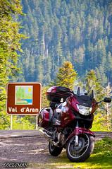 En el Valle de Aran (DOCESMAN) Tags: travel bike honda moto motorcycle motor pyrenees pirineos deauville motorrad motorcykel moottoripyörä motocykel motorkerékpár nt700v ntv700 docesman mototsikl danidoces