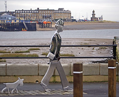 LS Lowry Sculpture & Fleetwood Port - Knot End. (Gerry Hat Trick) Tags: fylde fluke hall knot end walk walking hike hiking waders water birds fleetwood pilling lslowry lowry statue monument sculpture ferry dog