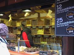 Weihnachtsmarkt Lübeck Rathaus (Sophia-Fatima) Tags: schaumküsse weihnachtsmarkt christmasmarket lübeck schleswigholstein deutschland