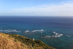Diamond Head Lighthouse (Fionn Luk) Tags: canon 5d view scene landscape trip travel vacation adventure explore water ocean lighthouse hawaii fionnluk thefootprintdiary october sun afternoon hike hiking diamondhead
