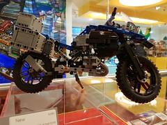 20170119_144312 (COUNTZERO1971) Tags: lego london legostore leicestersquare toys buildingblocks brickculture