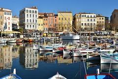 La Ciotat / Le Port-Vieux (Pantchoa) Tags: laciotat france côtedazur port portvieux barques bateaux façades mer méditerranée provence d7200 24mmf18 nikkor reflets