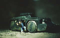 Get in!!! (3rd-Rate Photography) Tags: alien aliens ripley ellenripley xenomorph m577 m577armoredpersonnelcarrier colonialmarines colonialmarine scifi horror toy toyphotography actionfigure jacksonville florida canon 50mm 5dmarkiii 3rdratephotography earlware minimates