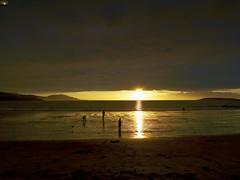 2015-10-25 18 29 25 (Pepe Fernández) Tags: puestadesol playa nigrán madorra mar paisaje sunset galicia seascape