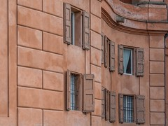 Finestre (Vanni Lazzari - VL) Tags: bologna basilicadisanluca finestre
