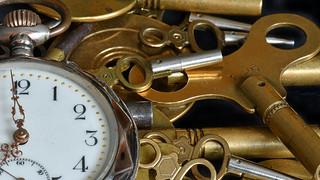 keys of antique clocks