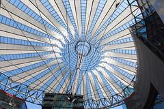 Sony Center - Potsdamer Platz (mahtieuc) Tags: berlin de sony potsdamerplatz sonycenter allemagne