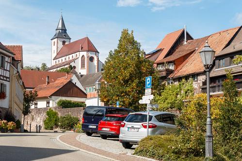 """Vue sur la """"Liebfrauenkirche"""" à Gernsbach"""
