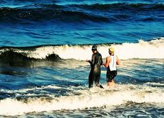 tough ladies (claudia.kiel) Tags: ocean ladies sport meer waves olympus ironman balticsea surge ostsee breaker binz wellen brandung seebad inselrgen omdem10