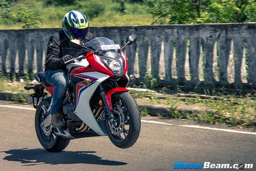 2015-Honda-CBR650R-16