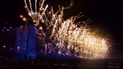 (_luisafierro) Tags: show nyc bridge summer usa ny amazing fireworks independenceday brooklin 4thjuly 4july 2014