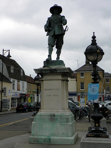 Godmanchester to St Ives 147: Statue of Oliver Cromwell, St Ives