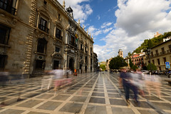 Plaza Nueva, Granada (Mister Electron) Tags: street plaza gardens square spain alhambra granada segway pedestrians bustle citizens adalucia plazanueva nikond800