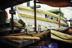 Pulau Duyong BoatYard (peentho266) Tags: street leica yard 35mm boat dock ship sony repair kuala summilux pulau terengganu sampan kualaterengganu nelayan kapal a7r duyong pantaiterengganu sonya7r