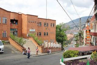 Biblioteca Pública Avila