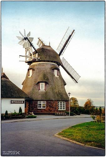 """""""Mecklenburger  Mühle"""" in Dorf Mecklenburg (1997)"""