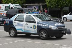 Policía Federal Argentina (rivarix) Tags: argentina buenosaires policeman policeofficer lawenforcement cops policíafederalargentina argentinefederalpolice policecar policevehicle fiatpolicecar