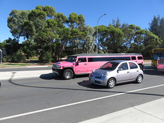 Pink Hummer Limo (RS 1990) Tags: adelaide southaustralia friday 27th january 2017 surreydowns goldengroverd pink hummer limo limousine