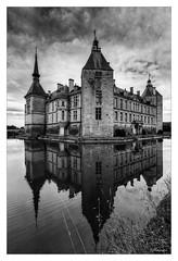 Château de Sully Bourgogne (JG Photographies) Tags: europe france french bourgogne saoneetloire château sully noiretblanc hdr jgphotographies canon7dmarkii hdrenfrançais