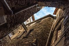 Il_frutto_della_mano (Danilo Mazzanti) Tags: danilo danilomazzanti mazzanti fotografia foto fotografo photography photos wwwdanilomazzantiit dolceacqua vicolo antico medievale