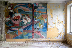 Soviet pioneers (I g o r ь) Tags: abandoned decay decayed rust urban forgotten lostplaces urbanexploration pioneers ussr cccp sovietunion murals