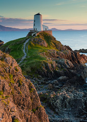 Evening at Ty Mawr Lighthouse (Michael Sowerby Photography) Tags: llanddwyn ty mawr twr anglesea north wales uk sunset lighthouse evening sun rocks sea path light golden coast landscape seascape outdoor countryside canon 5dmarkiii cliff rock formation