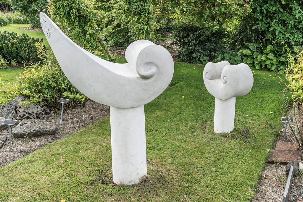 SCULPTURE IN CONTEXT 2015 AT THE NATIONAL BOTANIC GARDENS [UNOFFICIAL PREVIEW] REF-107298