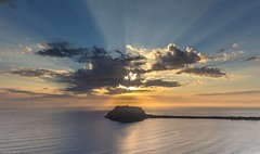 sunburst (The Photo Smithy) Tags: lighthouse clouds sunrise dawn barrenjoey westhead