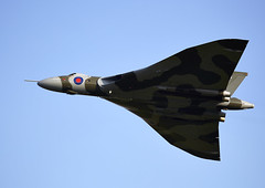 Vulcan (Bernie Condon) Tags: classic plane vintage flying display aviation military jet delta airshow vulcan preserved bomber shuttleworth raf warplane avro royalairforce shuttleworthcollection xh558 oldwarden vtts