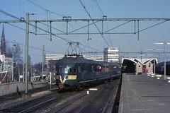 Once upon a time - The Netherlands - Rotterdam CS (railasia) Tags: holland rotterdam ns depart cs sixties zuidholland emu4 mat36