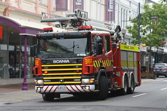 DJD 131 (ambodavenz) Tags: timarufirebrigade newzealandfireservice newzealand southcanterbury fireengine fireappliance brontoskylift fraserfirerescue f17ctl scania 124gb aerial fire bronto timaru
