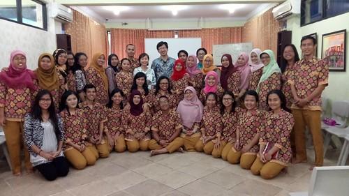 """Yayasan Anak Mandiri Serang. Training perencanaan keuangan """"9 Kebiasaan Efektif Mengelola Keuangan Bagi Karyawan"""" • <a style=""""font-size:0.8em;"""" href=""""http://www.flickr.com/photos/41601386@N04/30951546693/"""" target=""""_blank"""">View on Flickr</a>"""