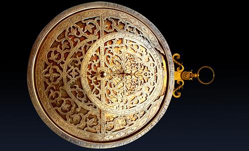 "Astrolabios, ubicantes de estrellas guía • <a style=""font-size:0.8em;"" href=""http://www.flickr.com/photos/30735181@N00/32609972485/"" target=""_blank"">View on Flickr</a>"