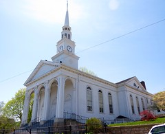 Mystic church (tom_2014) Tags: old usa tower church architecture america religious us view unitedstates connecticut religion newengland ct landmark christian spire american northamerica wren christopherwren mystic neoclassical whitewash palladian religiousarchitecture mysticchurch