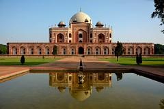 Anglų lietuvių žodynas. Žodis New Delhi reiškia Naujasis Delis lietuviškai.