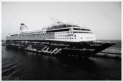 Floating resort (VanBertus) Tags: meinschiff1 la gomera islas canarias canaryislands cruise big boats holidays atlantic ocean turismo